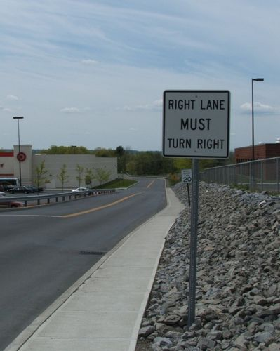 Right-turn sign 003(AllysonM)