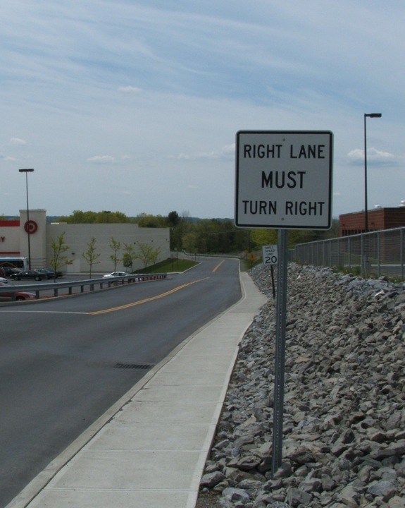 Right-turn sign 003(AllysonM)