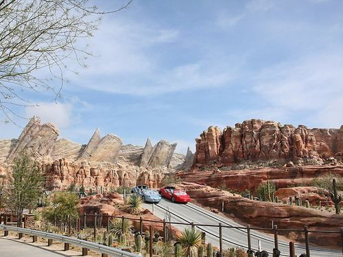 863747-cars-land-ornament-valley