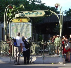 Paris_metro_guimard_entrance_dsc006